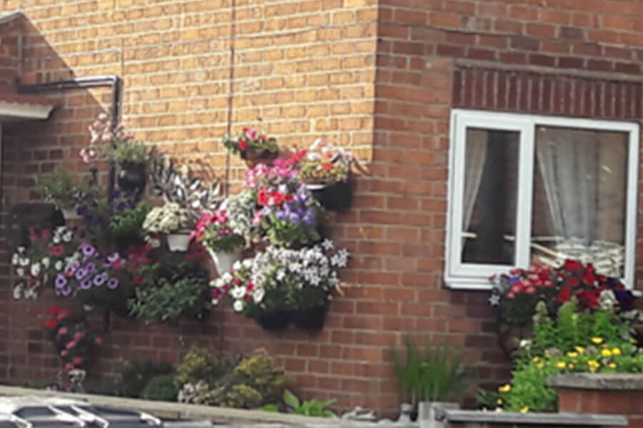 Easingwold-Town-Council-Best-Garden-Commended-Leasmires